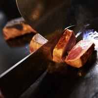 WOLF CALL - 1.9mmの厚みの鉄板で焼くステーキ、野菜、魚介を食べた事ありますか❓フライパンでは味わえません!絶品です!