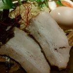 紀州麺処 誉 - 豚骨しょうゆつけ麺のチャーシュー