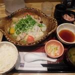 大戸屋 - 四元豚とたっぷり野菜の蒸し鍋定食¥887-