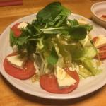 がやがや - 料理写真:トマトとチーズの関係 日本人でも把握できます(*゚∀゚*)ボーノ