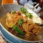 タイレストラン Smile Thailand - クイッティオパッキーマオセット