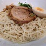 めんや風花 - モチモチ太めの縮れ麺
