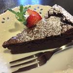 チーズシェッド - チョコレートケーキ税込430円