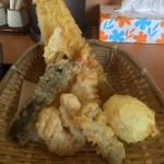 てん○ - 鶏ささみ天ぷら盛り合わせ+半熟たまご天