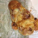 ブーランジェリー セイジアサクラ - ベーコンチーズエピ