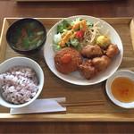 膳部 香蔵 - からあげ クリームコロッケ定食¥950