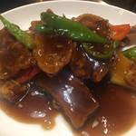XI'AN - カリッと仕上げた西安風酢豚 黒酢仕立て1,130円