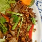 アユタヤ - 豚肉を邪魔しないニンニクとパクチーが良い