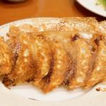 餃子 青島 - 自家製手作り焼き餃子 6個 250円