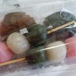 大寺餅河合堂 - 料理写真:桜餅、草餅、三色団子(期日限定)