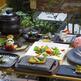 お客様へのサプライズが大好きな職人が贈る、驚きに満ちた一皿。