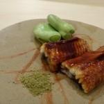 鮨 そえ島 - ◆天然鰻の蒲焼・・一度蒸して焼いた品。 上品な脂がのり美味しい鰻ですし、タレのお味わいも好み。