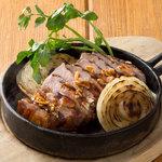 ■デミソースで食べる氷温熟成豚のトンテキ