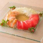 ■出汁が効いたお魚カルパッチョ3種盛り合わせ