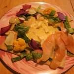 ココクロス - 2種のチーズとサーモンのクリームソースガレット
