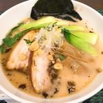 麺屋 奥右衛門 - 塩白湯麺(830円)