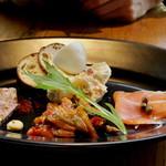 フェスティバール&ビアホール -  前菜4種 パテ・ド・カンパーニュ  ラタトゥユ スモークサーモン 燻製ポテトサラダ