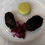 ラ・ブランシュ - 前菜1 岩手県広田湾産牡蠣の真っ黒焼き