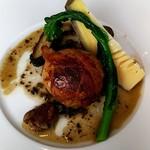 ラ・ブランシュ - メイン肉 軍鶏の黒米詰め
