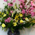 ラ・ブランシュ - ギャルソンが飾るすごいお花