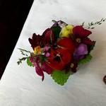 ラ・ブランシュ - テーブルのお花