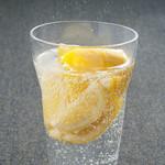 韓豚屋 - かちわりレモンサワー