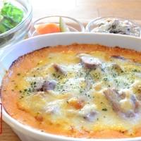 HAPPY cafe 食堂 - 豆乳ホワイトソースを使ったドリア。お惣菜とサラダ付き