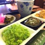 源吾茶屋 - お好み三色餅。手前からづんだ、ごまみつ、安倍川(きな粉)。この他に、あんこ、納豆、大根おろしなどある。
