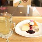 パトリ cafe/market - ケーキセット850円(税込み)