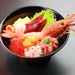 〈12月7日〉伊助、秋のオススメ海鮮丼