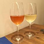 イタリアン アンド ワイン チャコール - オレンジと白