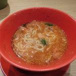 らーめん 亀王 - トマトラーメン