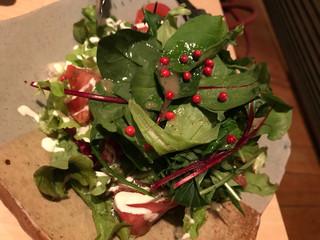 空 - トマトとアボカドのサラダ730円