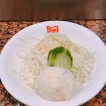 Dhuetto - セットのサラダです。(2017.4 byジプシーくん)
