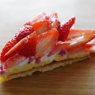 マンマ・ミーア! - 料理写真:苺のタルト