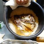 山猫軒 - 鯛の頭だけで炊いたご飯