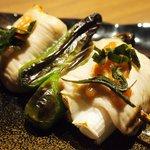 Grill&Wine TOSAKA - 桜のコース 3510円 の梅肉、桜の葉の塩漬け串