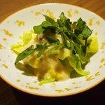 Grill&Wine TOSAKA - 桜のコース 3510円 の春キャベツの桜漬け とろろドレッシング