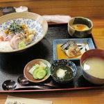 6579960 - 海鮮丼ランチ1050円