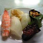 安さん - たまたまあったサービスのお寿司
