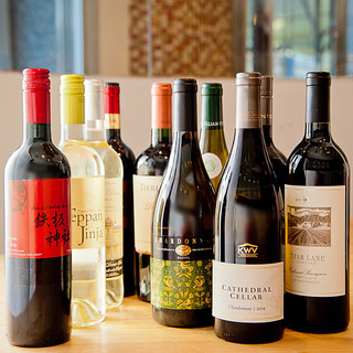 ワインにこだわる世界のワインと樽生スパークリング!