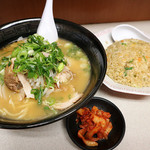 味の天下一 - 料理写真:焼き飯定食820円