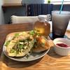 ヨムパン - 料理写真:手造りフォカッチャのサンド、今回はチキンです(2017.4.21)