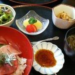 はな 海鮮 - 鉄火丼定食