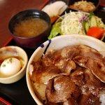 レストランばとう - 料理写真:いのしし丼