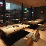 さが風土館 博多季楽 - 2階焼肉小上がり席から見た中洲の夜景