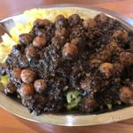 チャイ屋 マドゥバニ - ひよこ豆と豚のキーマカレー。限定。