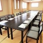 海老徳 - お二階のお座敷がテーブルになってリニューアルしました、お気軽にお問い合わせください。