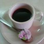 大益ドライブイン - 食後サービスされるコーヒー