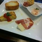 グァルダ楽 - 二種の前菜と、イタリアンオムレツ、イタリアン生ハム